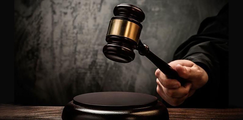 justica juiz condenacao malhete martelo juri