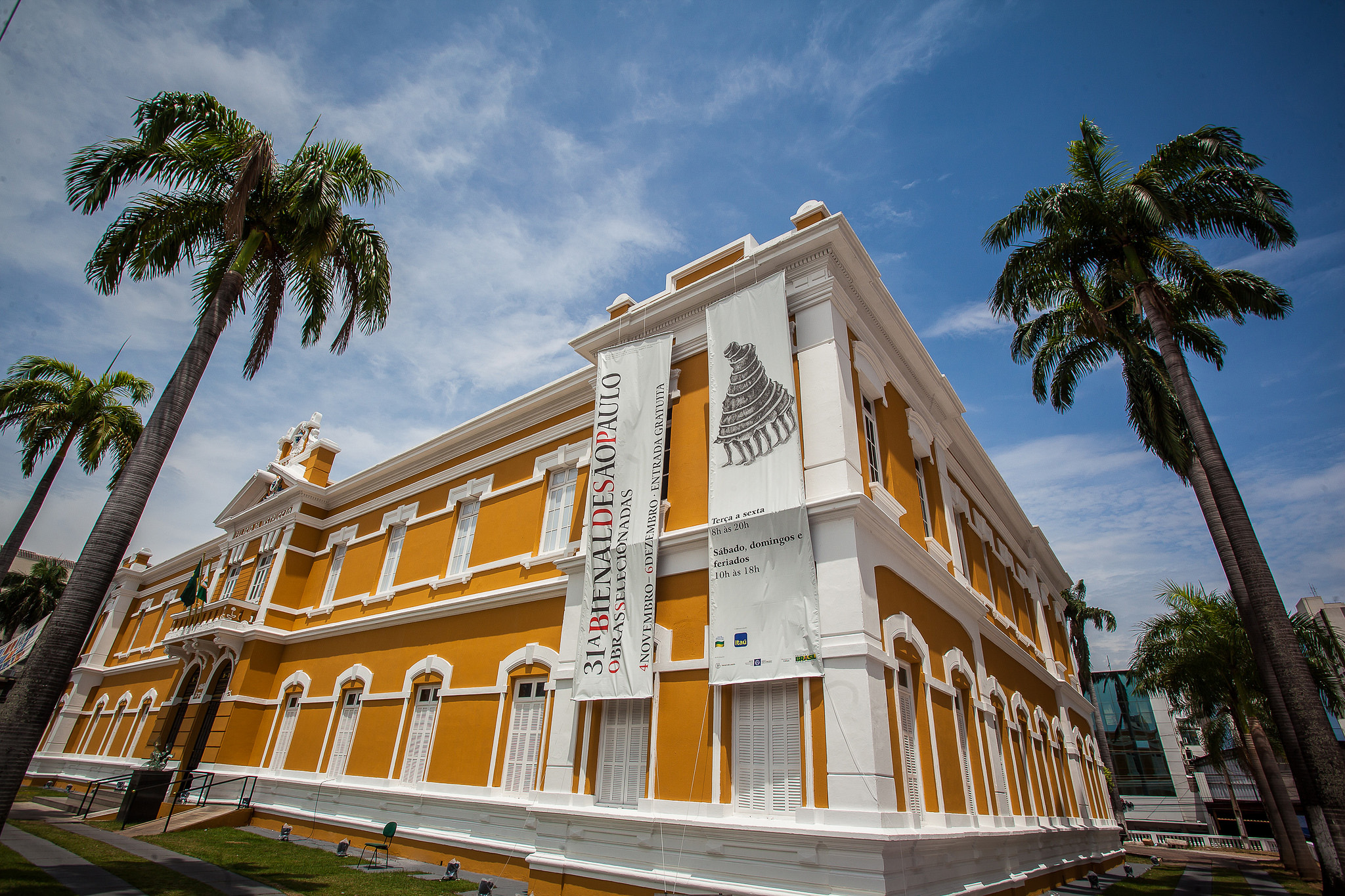 Palácio da Instrução em Cuiabá.jpg
