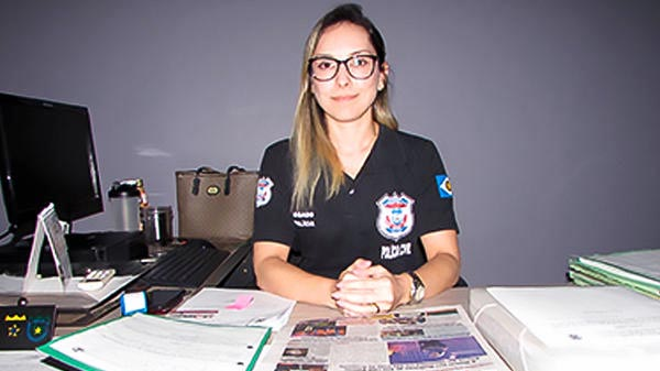 Delegada Ana Carolinne Mortoza Lacerda Terra