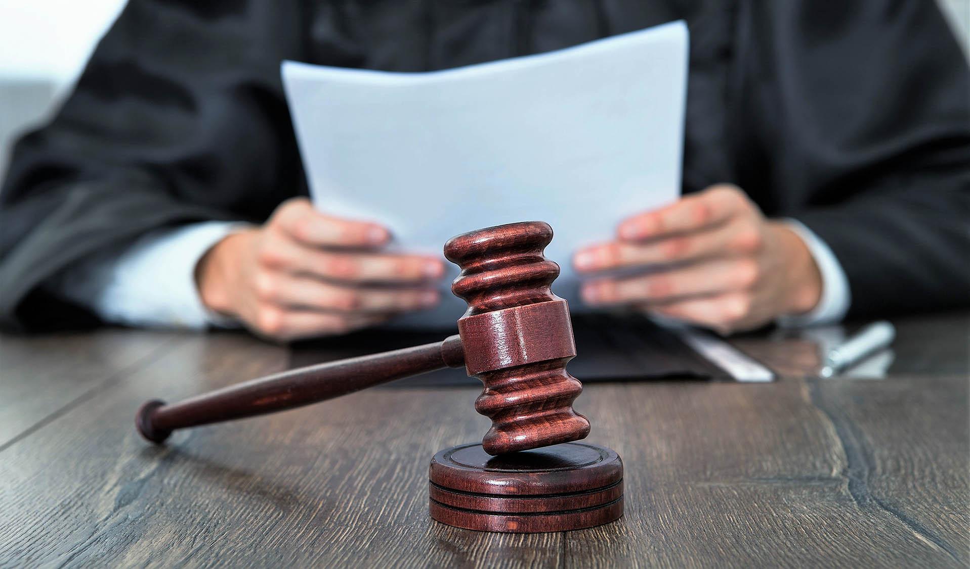 martelo malhete juiz